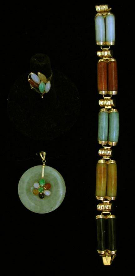 3010: Jadite three piece jewelry set, , Circular jade p