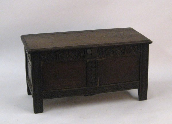 2007: English oak coffer, 19th century, Of rectangular