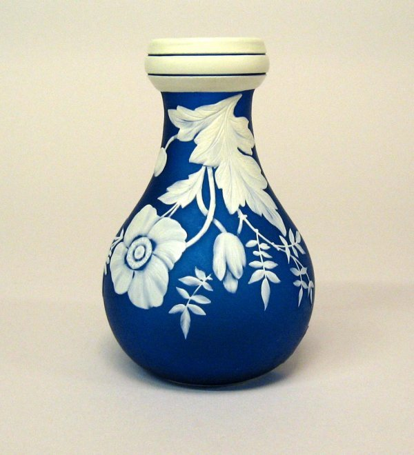 3464: Webb cameo painted vase, late 19th century, Signe