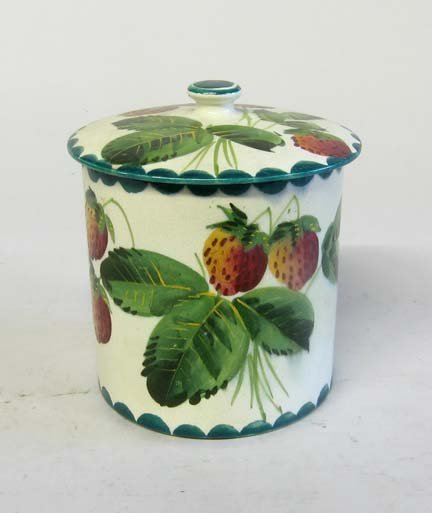 3475: Wemyss covered preserve jar, early 20th century,