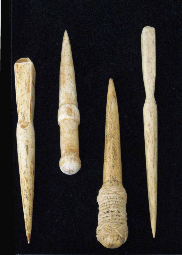 34: Group of four bone fids, 19th century, One with top