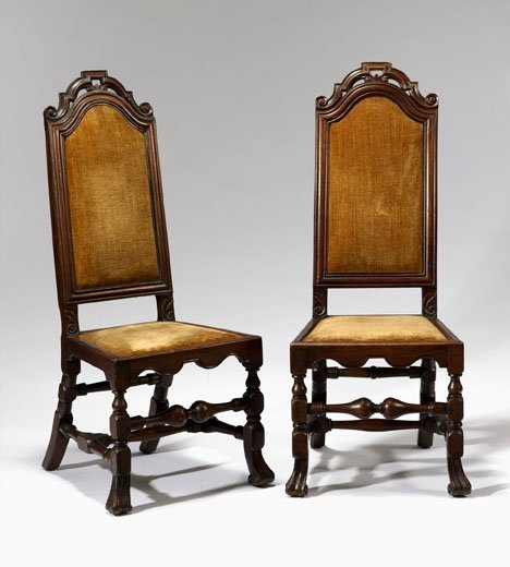200: Pair of early Queen Anne walnut side chairs, 18th