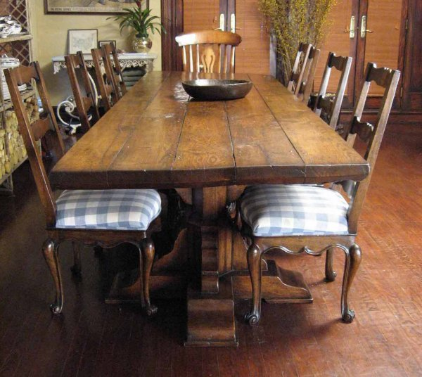 531: A 17th century style oak plank refectory table