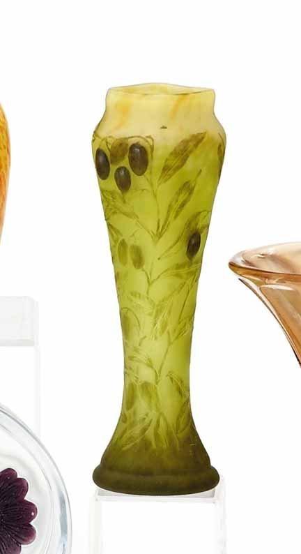 2014: DAUM NANCY, (FRENCH), Cameo glass vase
