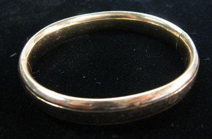 1360: Lady's yellow gold bangle bracelet, , Hammered, 1