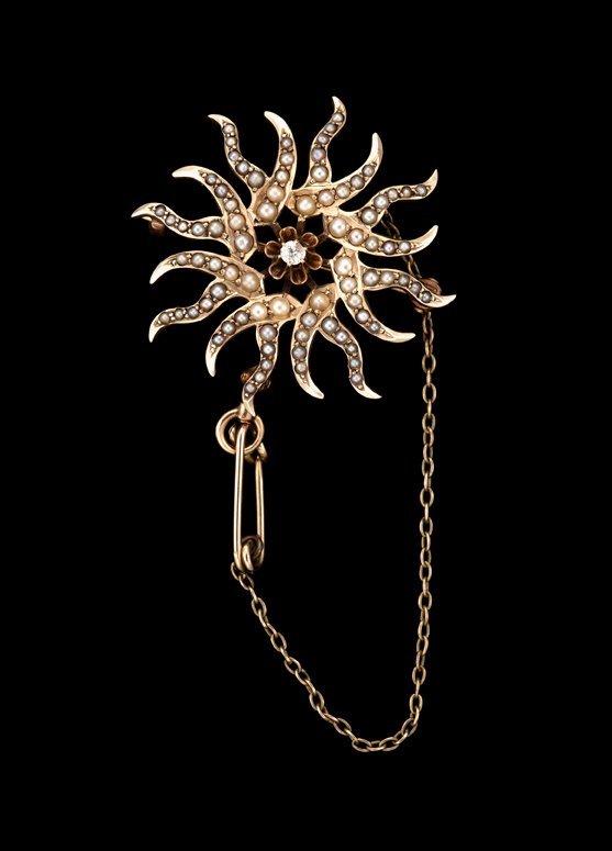 1366: Pearl brooch, circa 1900, Victorian seed pearl br