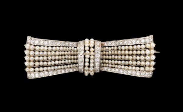 1477: Seed pearl and diamond bow pin, , Platinum bar pi