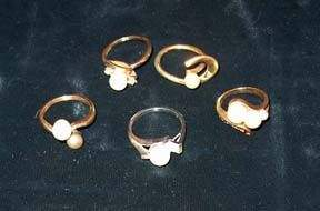 FIVE PIECE 10 AND 14K GOLD LADY'S RINGS 20th c.