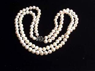 DOUBLE STRAND CULTURED PEARL NECKLACE 20th c. Wit