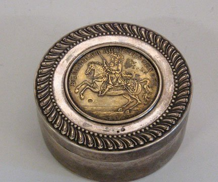 1008: Russian silver and silver gilt box, moscow, first