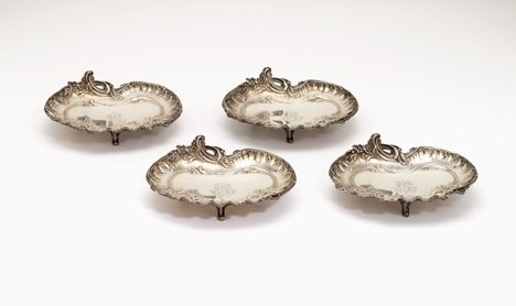 1017: Set of four Continental silver shell-form condime