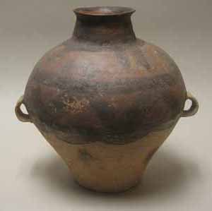 2004: Chinese pottery wine jar, neolithic period, Of gl