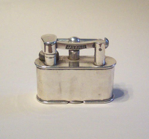 5: A LARGE DUNHILL TABLE LIGHTER