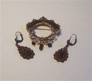 TWO VICTORIAN ITEMS