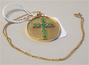 A 14K YELLOW GOLD PENDANT NECKLACE