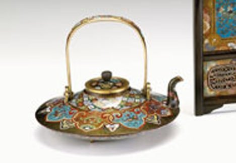 10702: Japanese cloisonne sake pot, in the style of Nam