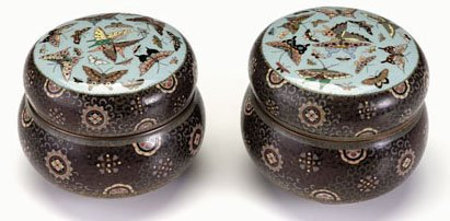 10712: Rare pair of Japanese cloisonne kogos, male and