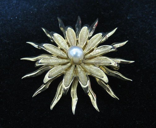 7: 14k Gold and Pearl Starburst Pin, , Styled with star