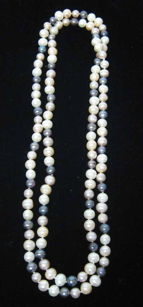 13: Ladies Grey, Pink and White Pearl Strand Necklace,