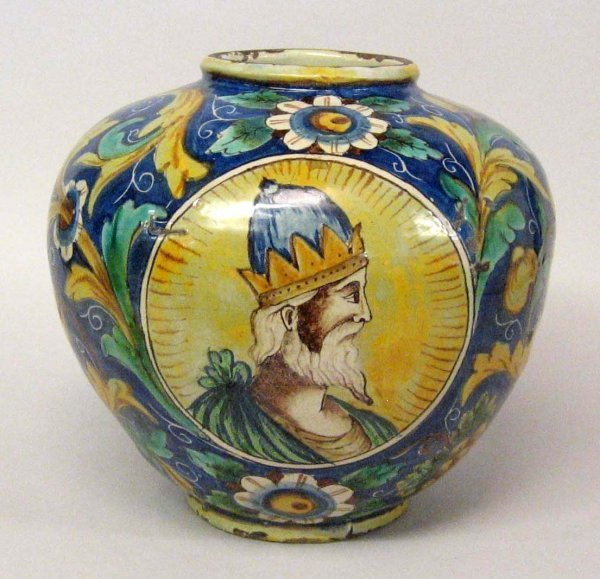 4: Italian maiolica vase, possibly 16th century, Decora
