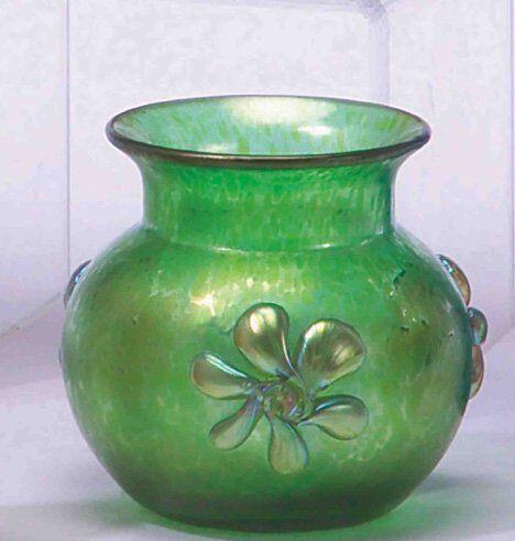 LOETZ ART GLASS VASE Blown & applied glass. H: 3