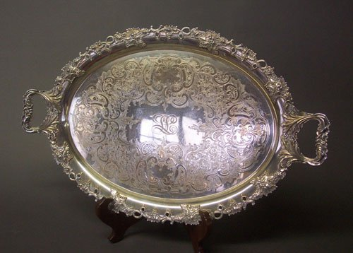268: AN AMERICAN SILVER PLATED OVAL TRAY