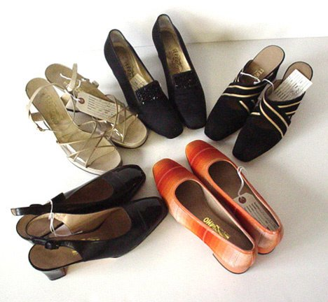 440: FIVE PAIRS OF FERRAGAMO SHOES Consisting of: one p