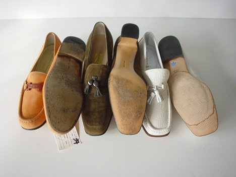 441A: FIVE PAIR OF FERRAGAMO SHOES Consisting of: one g