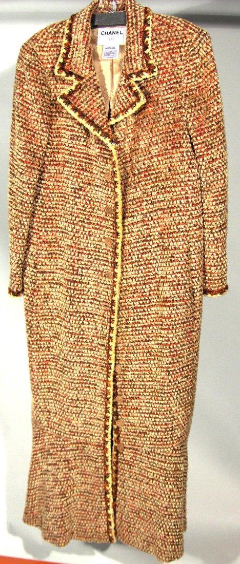 553: CHANEL LONG CHENILLE TWEED COAT In an acrylic/rayo