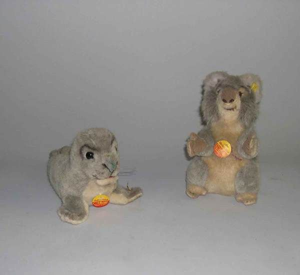 Two Steiff stuffed animals, , Gray sea lion (Robb