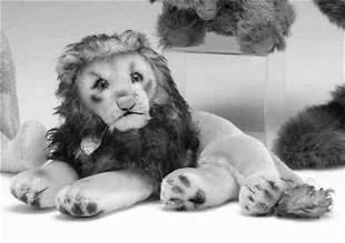 Steiff stuffed animal, , 'Leo,' the recumbent lio