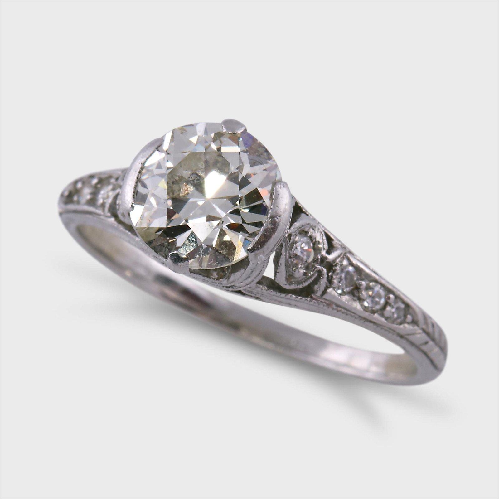 An Art Deco diamond and platinum ring,