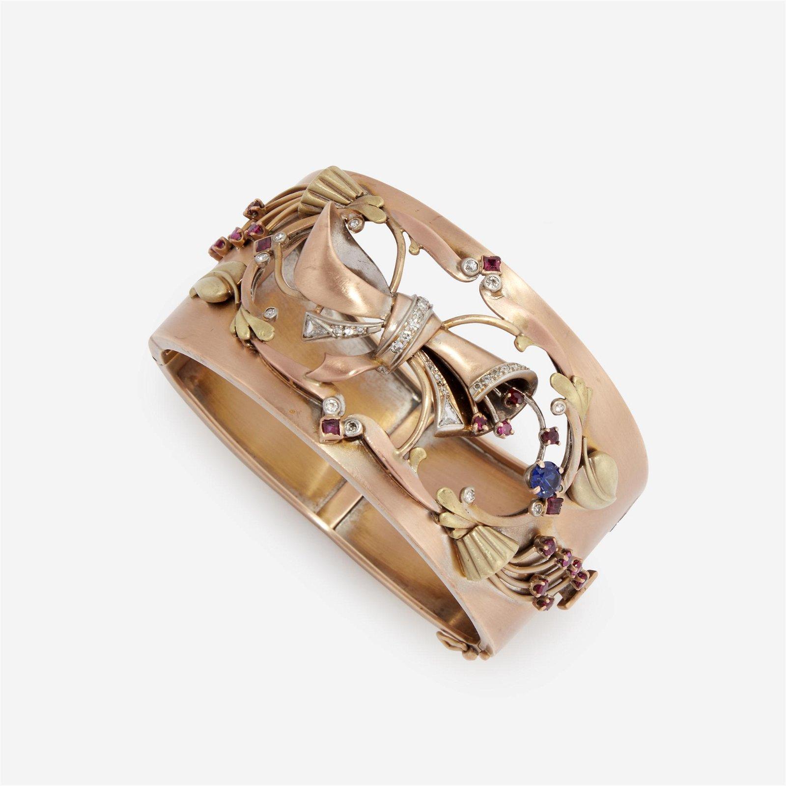 A Retro fourteen karat gold bi-color cuff bracelet,