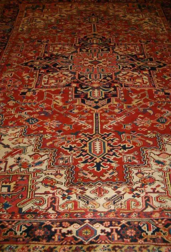 550: Heriz carpet, northwest persia , mid 20th century,