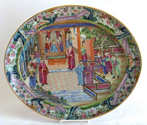 1009: Chinese famille rose oval dish, 19th c., Painted