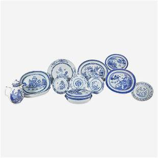 An assorted group of twelve Chinese Export porcelain