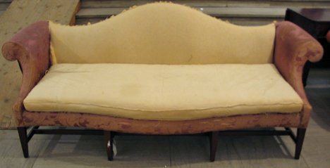 4012: Chippendale style camelback sofa, early 20th cent
