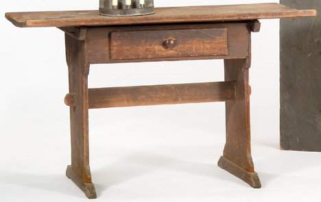 4346: Scrubbed-top painted pine hutch table, ephrata, p