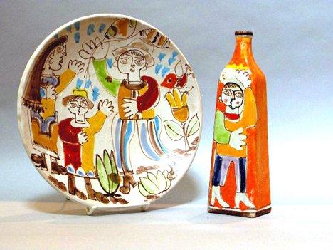 1006: Desimone pottery bottle, italian, Orange figural