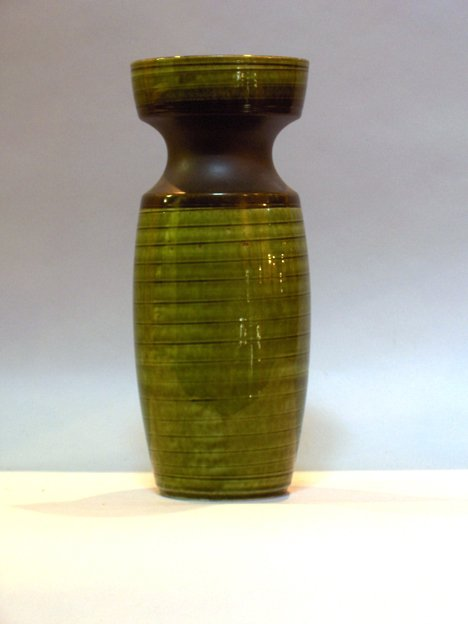 "1012: GREEN & BLACK IRISH ART POTTERY VASE H :12 1/4"""