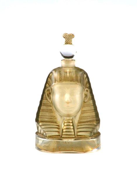 1037: Baccarat Ramses IV scent bottle, designed 1919,