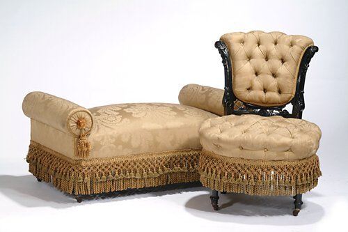 15: VICTORIAN EBONIZED UPHOLSTERED PARLOR SUI
