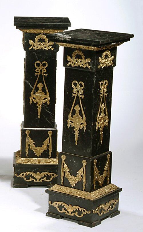 18: PAIR OF LOUIS XVI STYLE BLACK MARBLE & GI