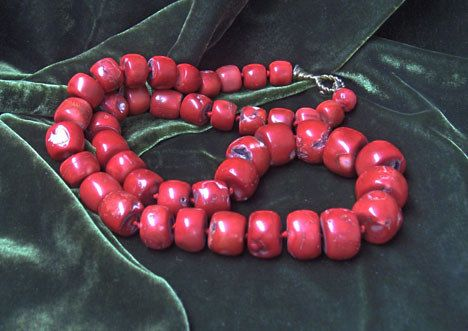Large rectangular red coral bead necklace, , Grad