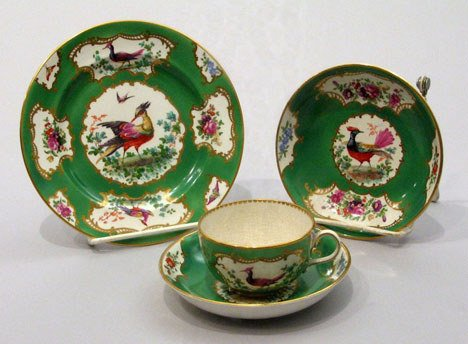 22: An English Porcelain Dessert Service, 19th century,