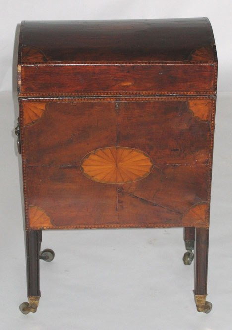 1021: Mahogany inlaid wine cellar, early 19th century a