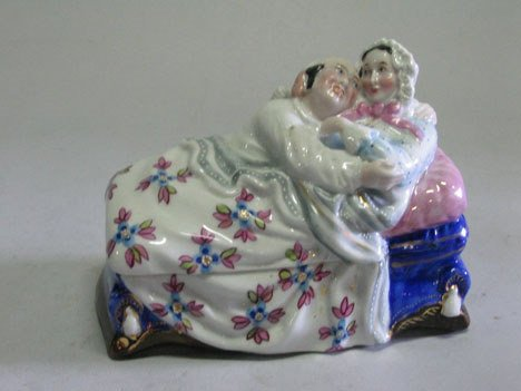 21005: Continental porcelain novelty inkwell, early 20t