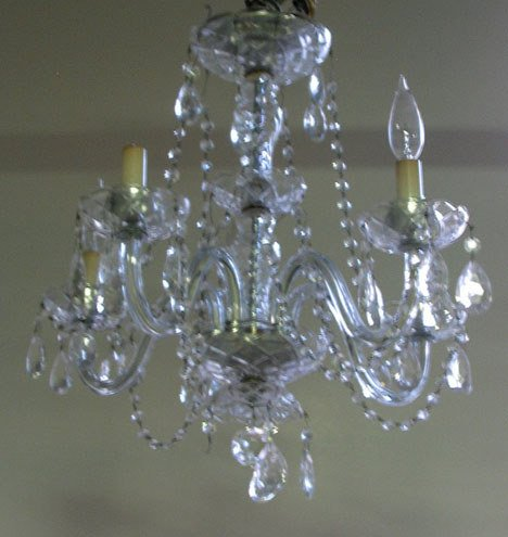 21012: Pair of cut glass chandeliers, early 20th centur