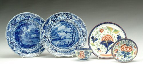 8: FIVE-PIECE PEARLWARE LOT  England, first q