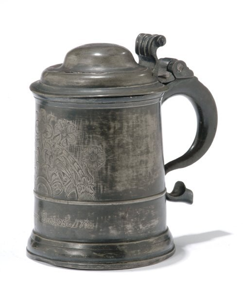 19: ENGRAVED PEWTER TANKARD  Dated 1755  The
